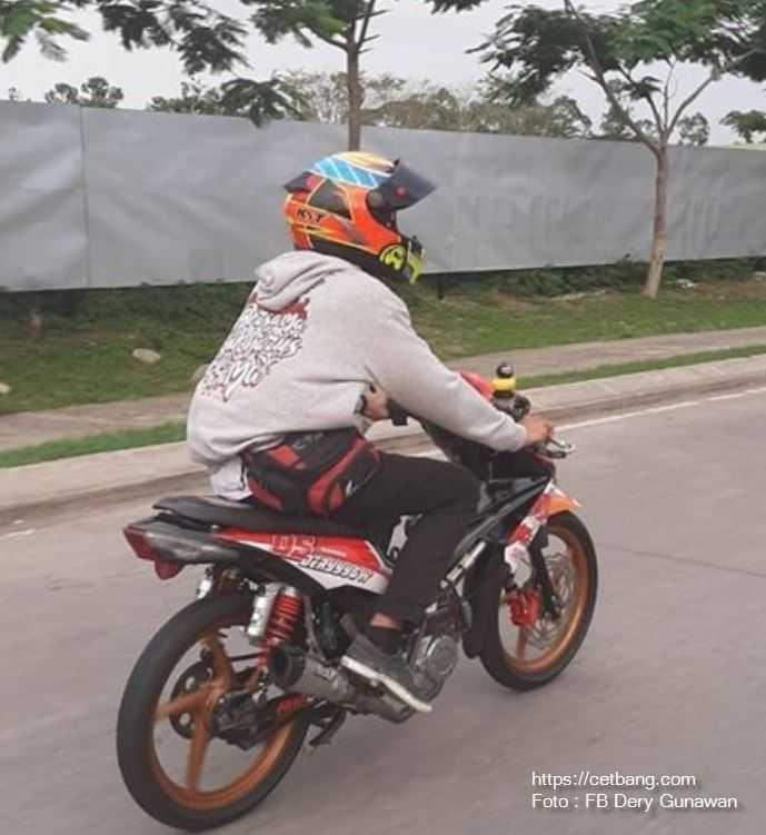 Modifikasi Honda Revo Road Race dan Buat Harian