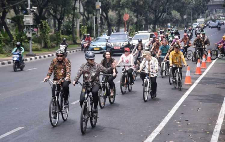 Rencana Gubernur Anies Baswedan Buka Jalur Sepeda di Jalan Tol
