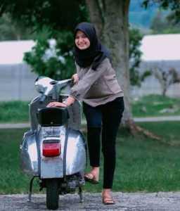 Hijab Vespa Klasik